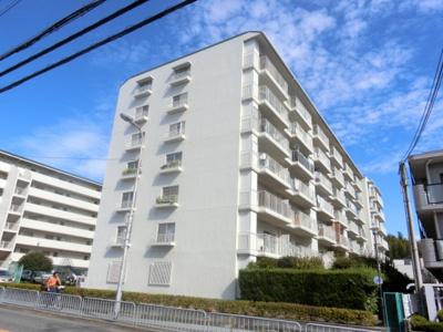 【現地写真】 総戸数130戸の大型マンションです♪