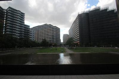 周辺にはこんな素敵な緑と水を感じられる憩いの場所があるんですね♪