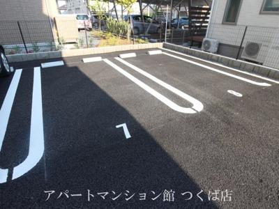 【駐車場】マリーンルージュ