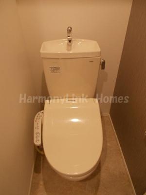 ハーモニーテラス中野のゆったりとした空間のトイレです(別部屋参考写真)☆