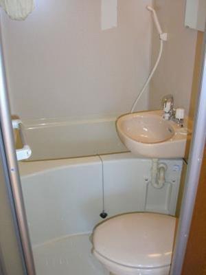 ライフピアモジュールのコンパクトで使いやすいお風呂です(三点ユニット)☆