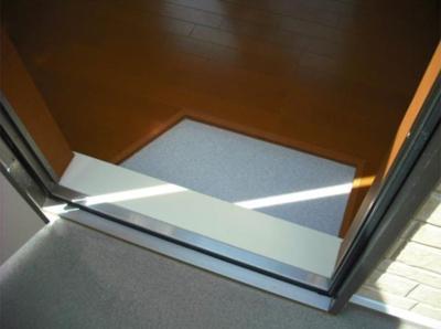 グレースアリスのシンプルで使いやすい玄関です