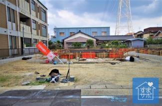 3号棟 現地(2019年8月)撮影 11月完成予定です。 敷地面積152.46㎡(46.12坪)。 駐車並列2台可能。