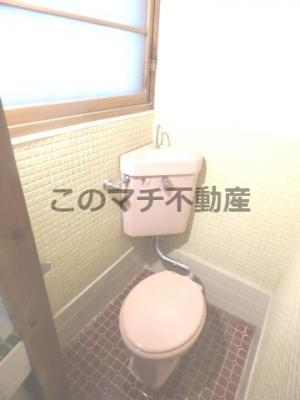 清潔感のあるトイレです(1階)