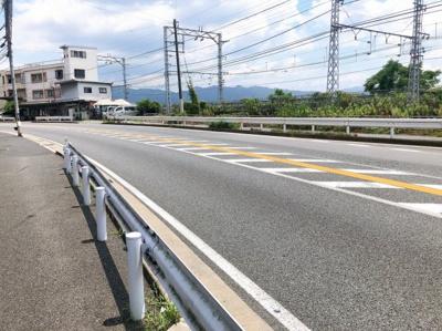 【前面道路含む現地写真】伏見区桃山町本多上野 条件無売土地
