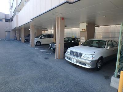 【駐車場】ロイヤルメゾン