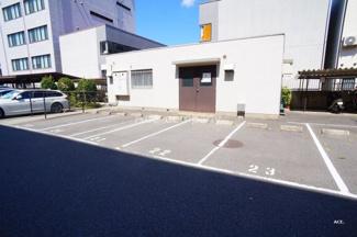 現況、駐車場空きあります♪【駐車料金:月々約12000円】