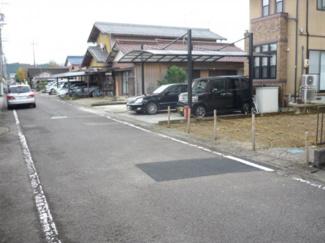 【前面道路含む現地写真】49511 関市弥生町土地