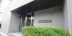 東急田園都市線「三軒茶屋」駅徒歩12分です。閑静な住宅街、オートロック完備してます。