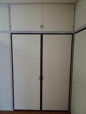 遠藤ビル 洋室6帖にある約1間分の収納スペース!
