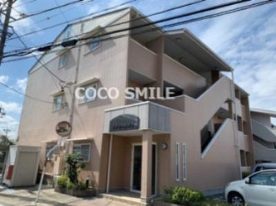 おしゃれな外観です 【COCO SMILE】