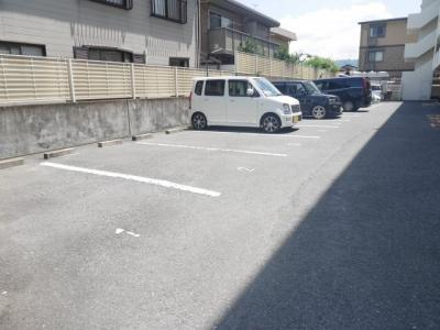 【駐車場】ハイツホロン