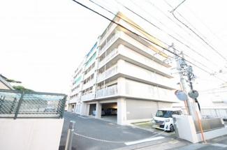 敷地内駐車場空き有り(月5000円)
