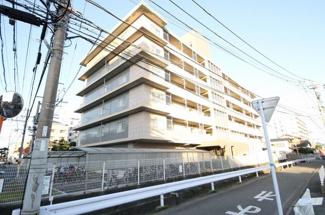 周船寺駅徒歩18分、駐車場空き有り(5000円/月) 6階建て5階の角部屋です