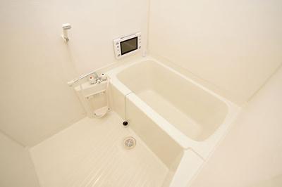 大きな画面で見やすい浴室テレビが付いてます
