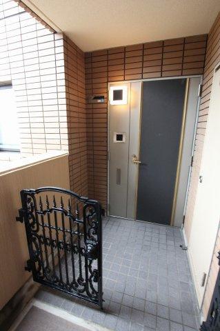 【玄関】平和パーク・マンション