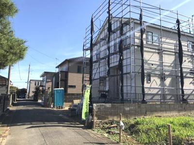 【前面道路含む現地写真】鴻巣市生出塚2丁目 新築分譲住宅全1棟