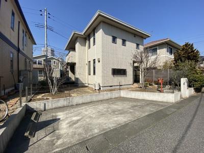 【駐車場】守谷市ひがし野「旭化成へーベルハウス」両面道路 中古一戸建て
