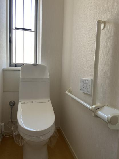 【トイレ】守谷市ひがし野「旭化成へーベルハウス」両面道路 中古一戸建て