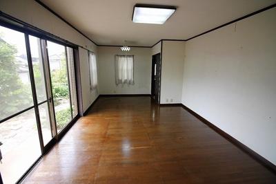 【居間・リビング】三島市東大場 中古戸建