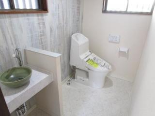 手洗い場を新設した新品トイレ