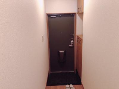 明るい玄関です 【COCO SMILE ココスマイル】
