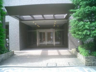 徒歩5分圏内にスーパー・商店街・区役所・公園等も有る住みやすい便利な立地のマンション