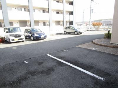 【駐車場】オプティマ