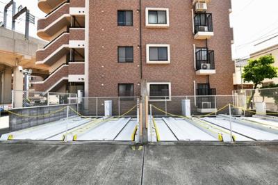 【現地写真】 駐車場も敷地内に御座います♪