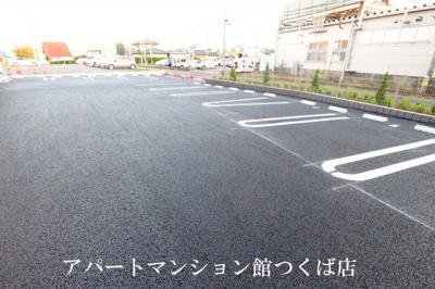 【駐車場】エクセロン