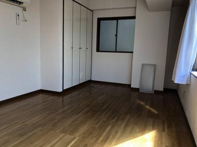 建物入り口階段