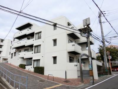 【現地写真】 総戸数42戸のマンションです♪