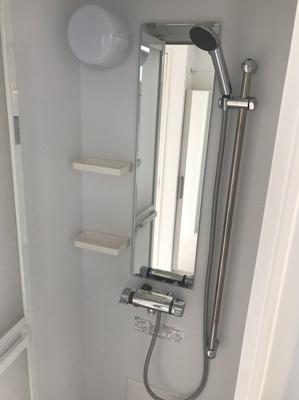 NARISAのシャワーを浴びることができます