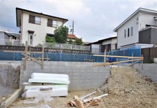 1号棟 現地(2019年9月)撮影 敷地面積126.26㎡(38.19坪)。 駐車2台可能です。