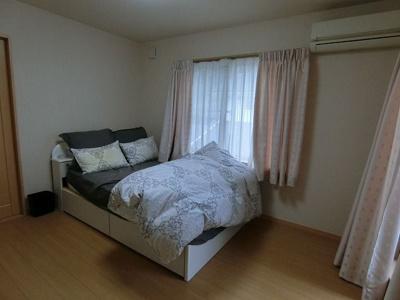 ベッド 2F