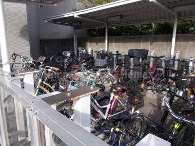 コーポレート竹の塚二丁目の駐輪スペース
