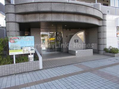 コーポレート竹の塚二丁目のエントランス
