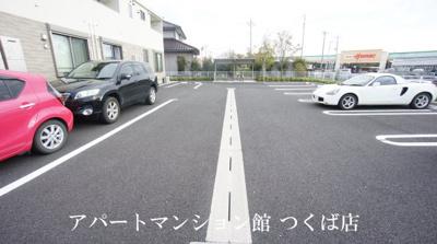 【駐車場】アイーダ・メイカ