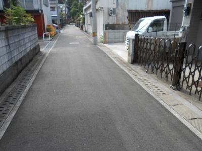 【前面道路含む現地写真】高知市中万々 中古戸建