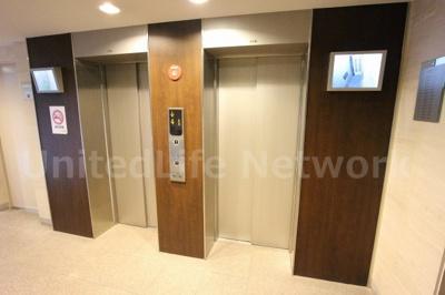 エレベーター二基