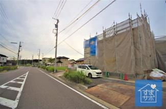 1号棟 現地(2019年9月)撮影 前面道路は北側幅員約16.0mの公道。
