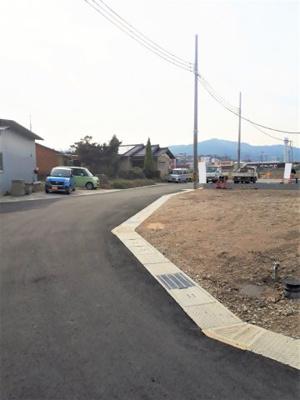 【前面道路含む現地写真】リナージュ亀岡市篠町浄法寺 2期