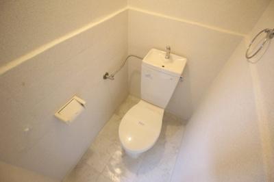 【トイレ】コンパクトで使いやすいトイレです