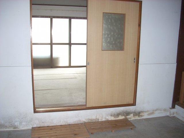 1F倉庫 入口