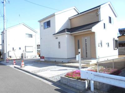97坪・駐車場6台・南向き・4SLDKとワイドバルコニー・大越小・加須北中・デザインリフォーム住宅・すぐ住めます