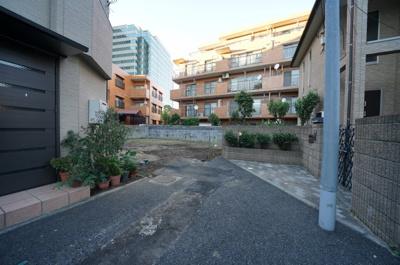 【前面道路含む現地写真】保土ヶ谷区神戸町全2棟 新築戸建