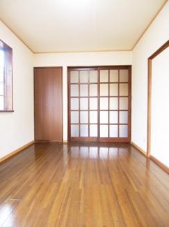 ※写真は別の部屋の写真です
