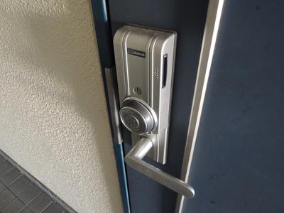 玄関扉 カードキー