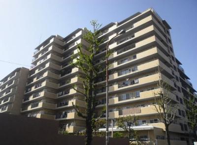 【現地写真】 鉄筋コンクリート造の151戸の大型マンション♪
