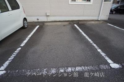 【駐車場】ルミエールC